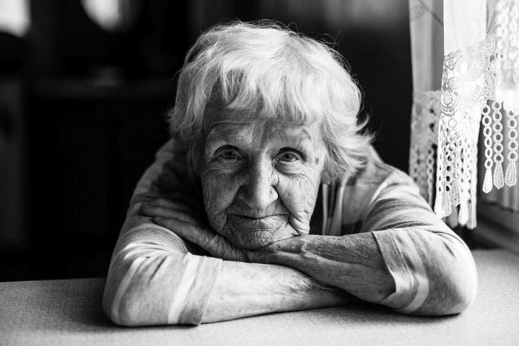 Chez les personnes de plus de 65 ans, la sous-déclaration de la dépression atteindrait 70 %. © De Visu, Adobe Stock