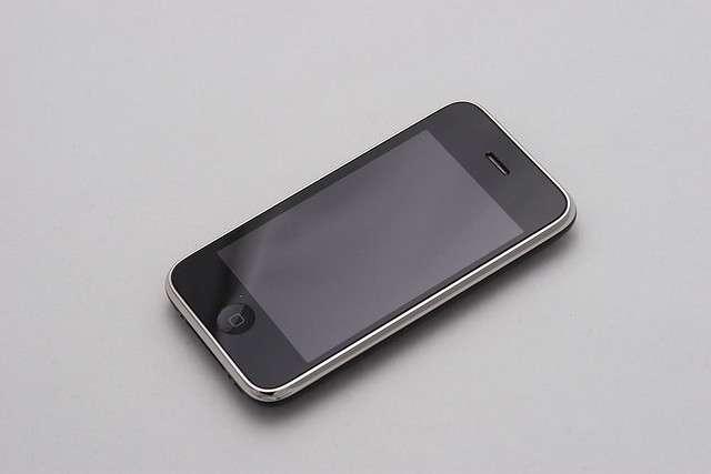 Dès le premier iPhone, les smartphones tactiles ont fait la réputation d'Apple. L'iPhone 3G, sorti en 2008, est une évolution mineure du premier modèle sorti l'année précédente, apportant avant tout le support des réseaux mobiles de troisième génération. © Mac Users Guide CC