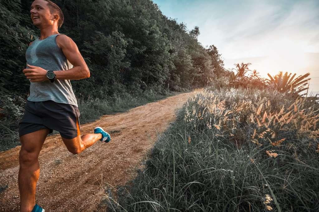 Rappelons qu'on appelle activité physique d'intensité modérée, une activité qui permet de brûler trois à six fois plus d'énergie par minute que de rester assis. © Dudarav Mikhail, Adobe Stock