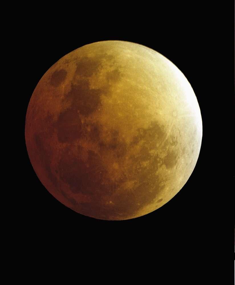Eclipse Totale de Lune 08-09 Novembre 2003