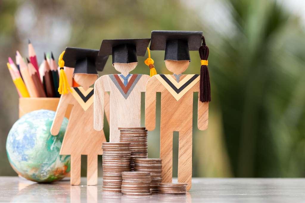 Le coût de la vie étudiante peut rapidement devenir source de complications avec un budget étudiant mensuel limité. © smolaw11, Adobe Stock.