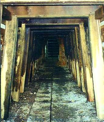 Entrée de la mine de San Cristobal I, dans le district de Domo de Yauli, en Bolivie. © DR