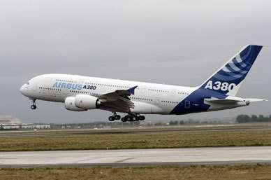 Le cinquième et dernier A380 d'essai s'est envolé hier de l'aéroport Toulouse Blagnac Il est le seul de la flottille à être doté de réacteurs GP7200 (Crédits : Airbus)