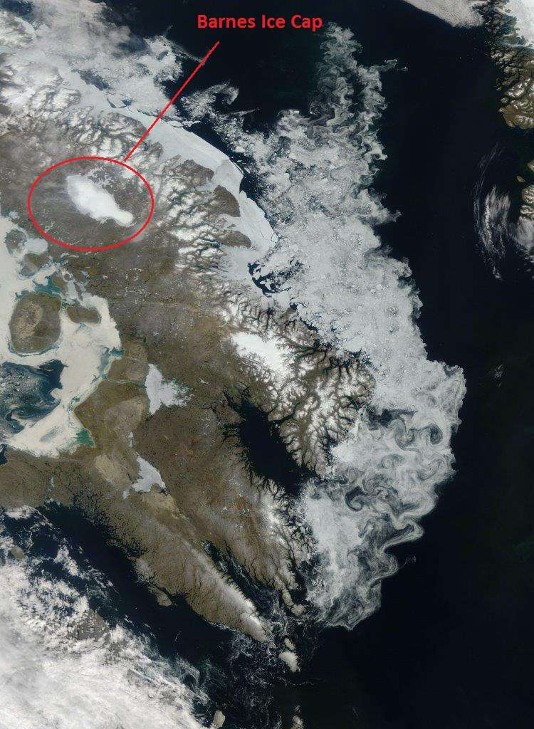 Une vue depuis l'espace de la calotte de glace de Barnes sur l'île de Baffin au Canada. © Jeff Schmaltz, Nasa, Earth Observatory