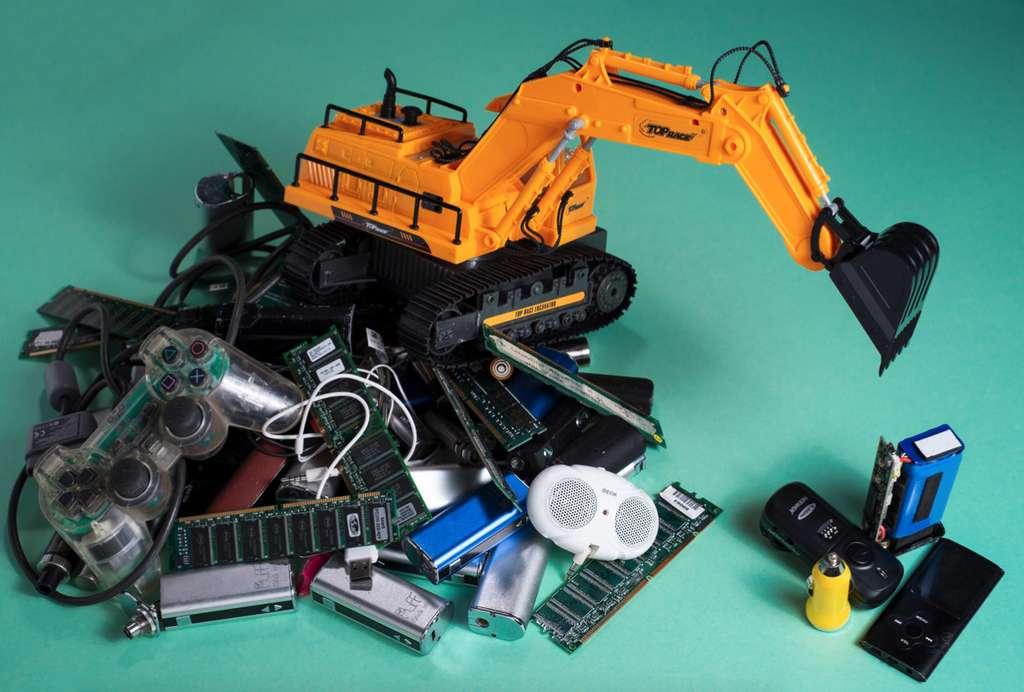 40 à 50 % des gros appareils sont remplacés alors qu'ils sont toujours en état de marche ou réparables. © UNU/Unitar Scycle, Yassyn Sidki