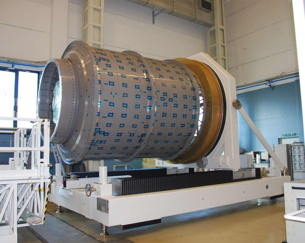 Module pressurisé du premier cargo américain Cygnus opérationnel (donc le deuxième après le vol de démonstration). Comme ceux de l'ATV, ces modules sont construits à partir du même moule et sont de formes et de fonctions similaires © Rémy Decourt