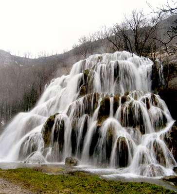 Cascade pétrifiante de Baume-les-Messieurs. © DR