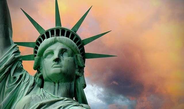 Statue de la liberté avec sa couronne à sept rayons. © ParentRap, Pixabay, DP