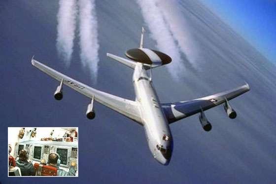 Le E3-Sentry AWACS (Airborne Warning and Control System) de l'US Air Force a pour mission d'assurer une surveillance tout-temps de l'espace aérien. Il assure le commandement, le contrôle et les communications nécessaires aux Etats-Unis ainsi qu'aux forces Alliées de l'OTAN. © Document AFRL