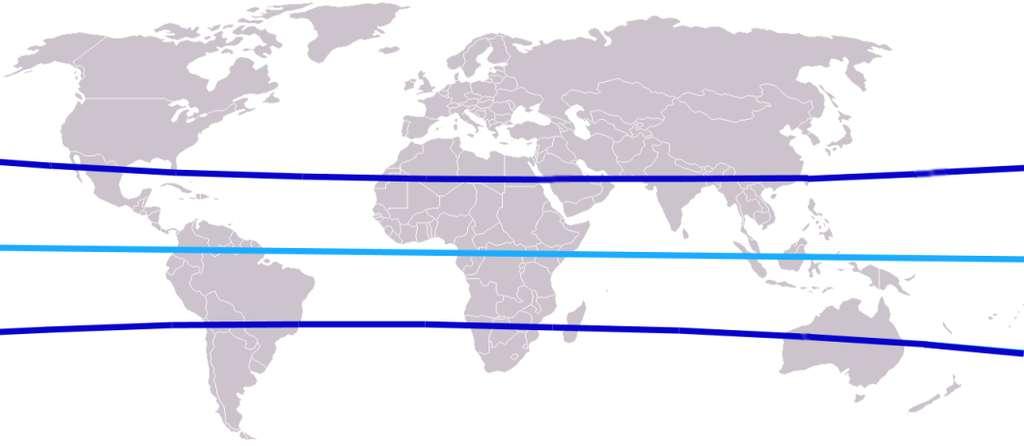 Sur cette carte, les tropiques sont matérialisés par des lignes bleu foncé. L'équateur apparaît en bleu clair. © ErnstA, Wikipedia, CC by-sa 3.0