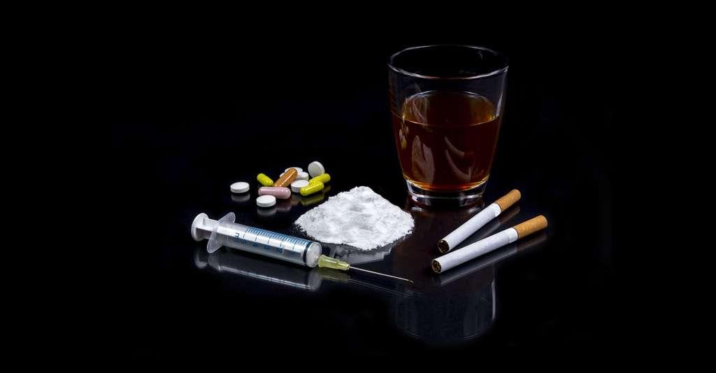 Héroïne, cannabis, cigarettes, anti-dépresseurs… toutes sortes de drogues existent. © Kunertus, Shutterstock