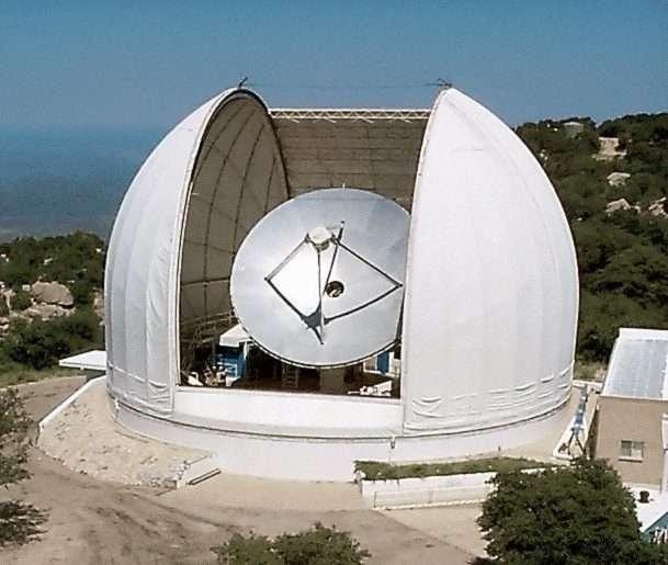 Les noyaux préstellaires sont des environnements calmes et froids qui n'émettent que de faibles signaux. Et c'est la précision et la disponibilité du radiotélescope d'observation millimétrique de l'observatoire Kitt Peak qui ont permis aux astronomes de l'université de l'Arizona (États-Unis) d'obtenir des images utiles de quelques-uns d'entre eux, dans le nuage moléculaire du Taureau. © Jeff Mangum, NRAO