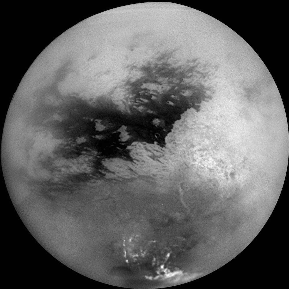 Premier survol de Titan par la sonde Cassini