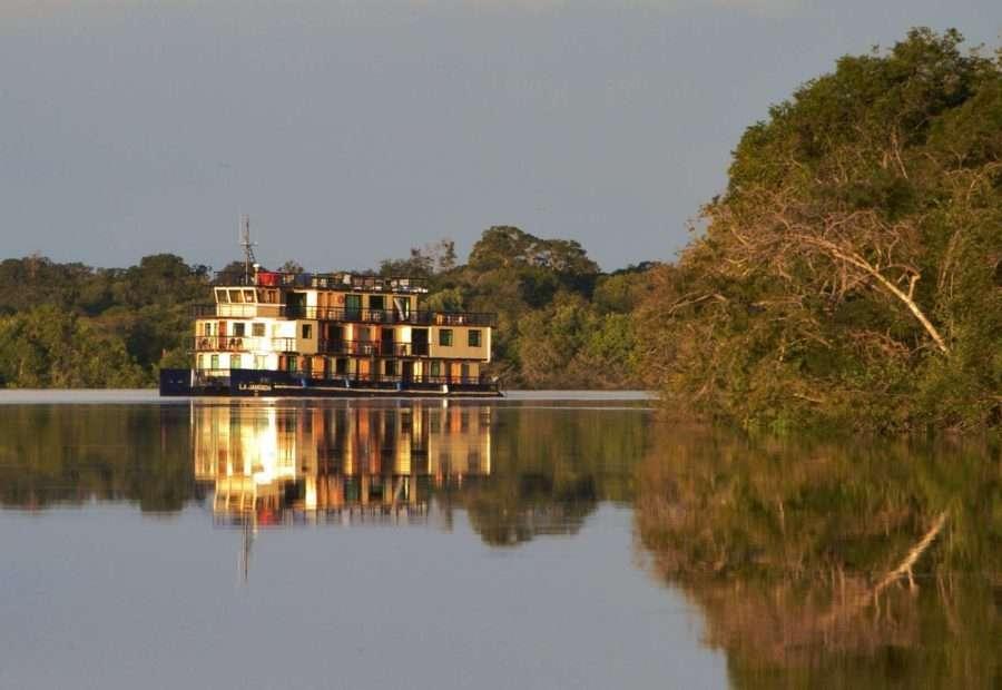 À bord de La Jaganda, Grands Espaces vous promet de découvrir l'Amazonie authentique dont est tombé amoureux son concepteur et coarmateur, Bernard Ramus. © Grands Espaces