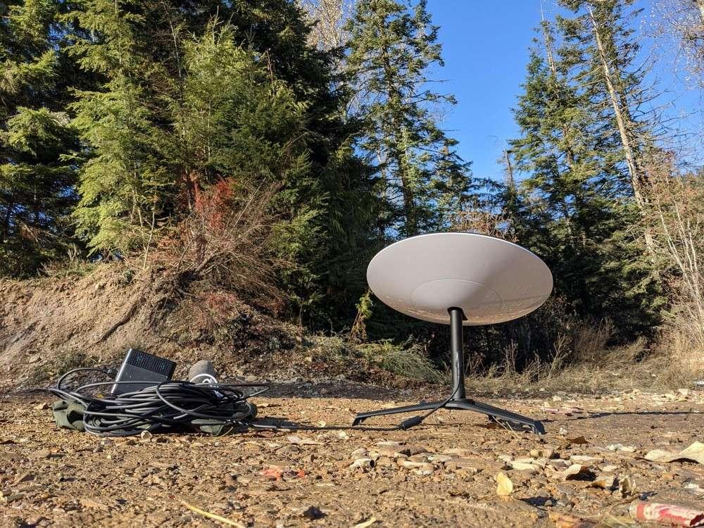 Wandering-coder a testé son équipement Starlink en pleine nature, loin de tout réseau mobile. © Wandering-coder/Reddit