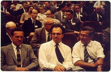 De gauche à droite Gold, Bondi, Hoyle dans les années 1960. Crédit : St Johns College