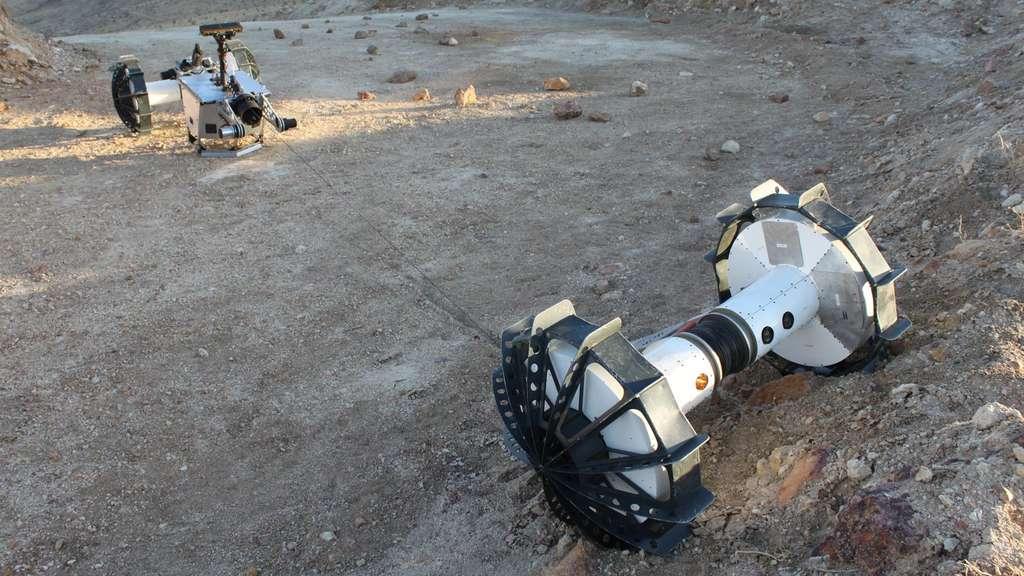 Relié au rover principal par un filin, le segment Axel par explorer les terrains difficiles d'accès. © Nasa, JPL-Caltech, J.D. Gammell