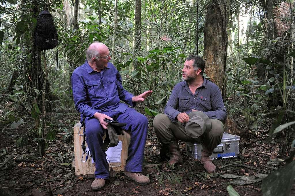 Francis Hallé et Luc Jacquet pendant le tournage du film Il était une forêt. © Bonne Pioche Cinéma, Tristan Jeanne-Valès, 2013