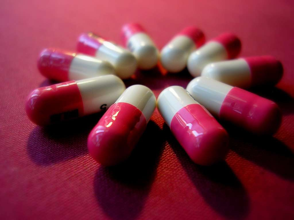 La consommation d'antidépresseurs a connu une augmentation en Europe. Cette étude montre que dans la grande majorité des pays, le taux de suicide a quant à lui baissé. Faut-il pour autant consommer plus de ces médicaments ? © Emuishere Peliculas, Flickr, cc by nd 2.0