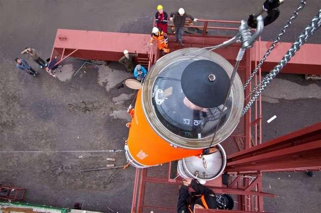 La fusée Heat-1X n'est pas large (65 centimètres) mais on peut s'y tenir debout. Elle porte à son sommet une capsule cylindrique, Tycho Brahe-1, munie d'une coiffe en matière plastique transparente. © Copenhagen Suborbitals