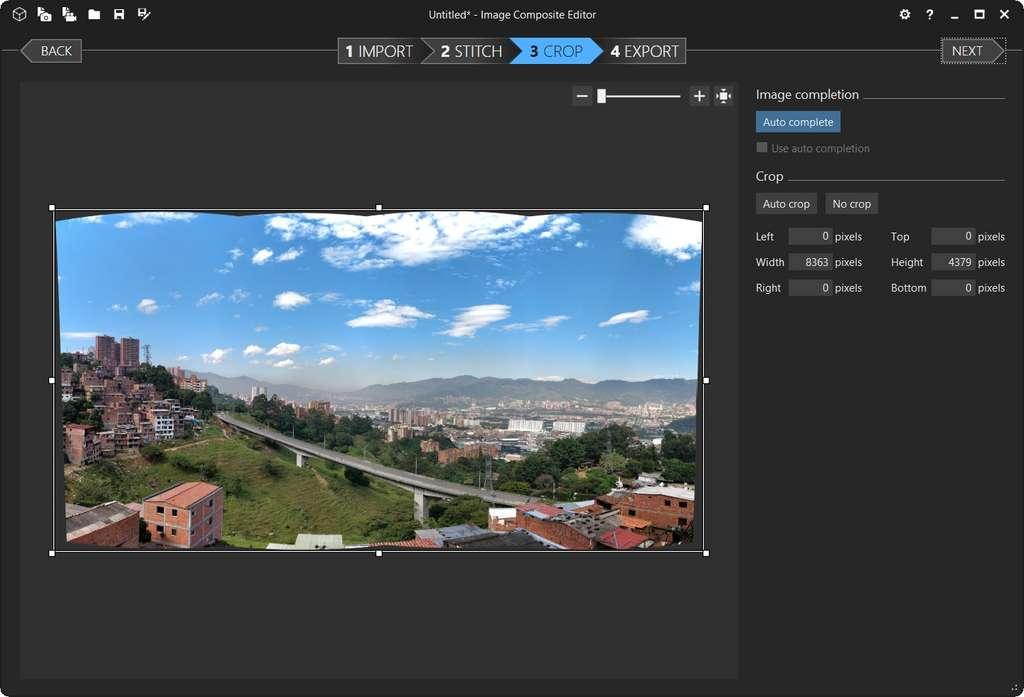 Panorama avant auto-remplissage. © Image Composite Editor
