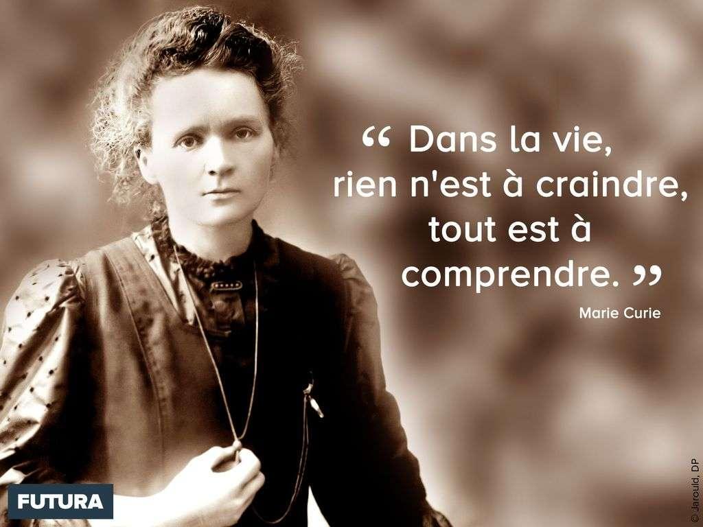 Marie Curie obtient en 1911 le prix Nobel de chimie pour ses travaux sur le polonium et le radium