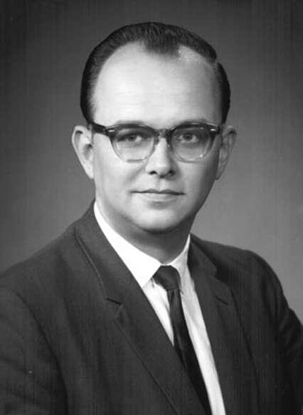 Hugh Everett III (1930–1982) a été l'élève d'Eugène Wigner et John Wheeler à Princeton. Son nom reste attaché à une interprétation radicale du formalisme de la théorie quantique éliminant le postulat de la mesure, celle des mondes multiples. © University of California, Irvine
