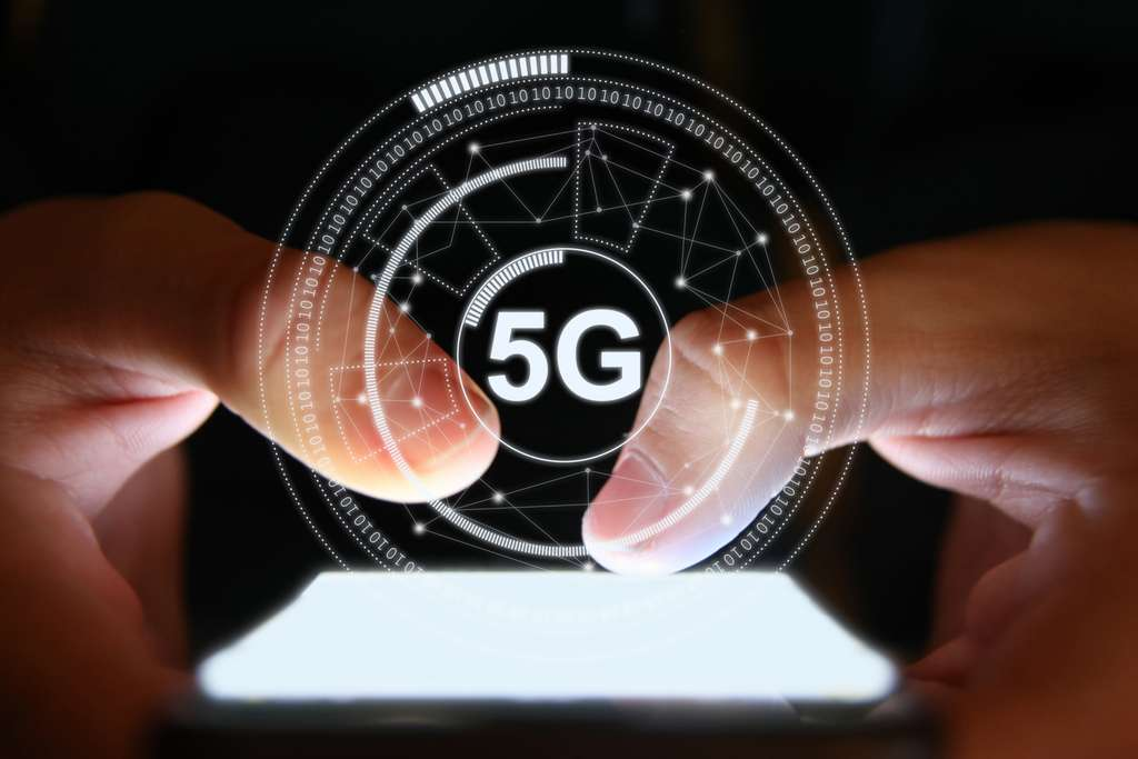 2020 should see the first 5G commercial offers arriving in France.  © alexsl, IStock.com
