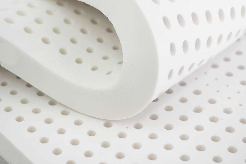 Le matelas en latex naturel est peu commercialisé. © nespix, Adobe Stock
