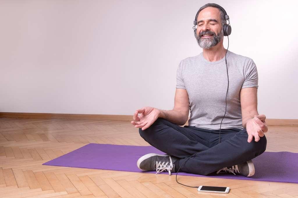 Aujourd'hui, des applications vous aident à méditer. © Teodor Lazarev, Fotolia