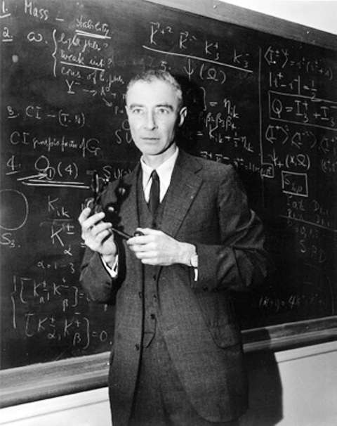 Le physicien Robert Oppenheimer. © American Academy of Achievement