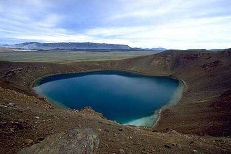 Krafla avec le cratère d'explosion Viti. © Andreas Tille, Wikipédia