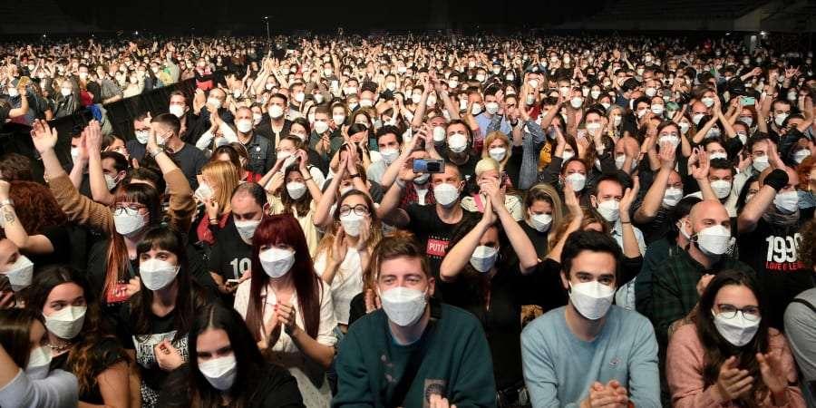 Selon le médecin, seuls six cas positifs sur les 5.000 spectateurs ont été détectés quinze jours après le concert. ©Lluis Gene, AFP