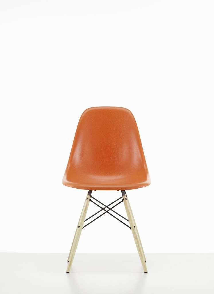 La chaise DSW fut la première chaise en plastique à être fabriquée en série. © Vitra