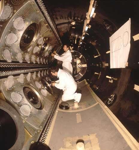 La chambre à bulles Gargamelle, qui a conduit à l'importante découverte des « courants neutres » au CERN en 1973, a été construite à Saclay à la fin des années 60.