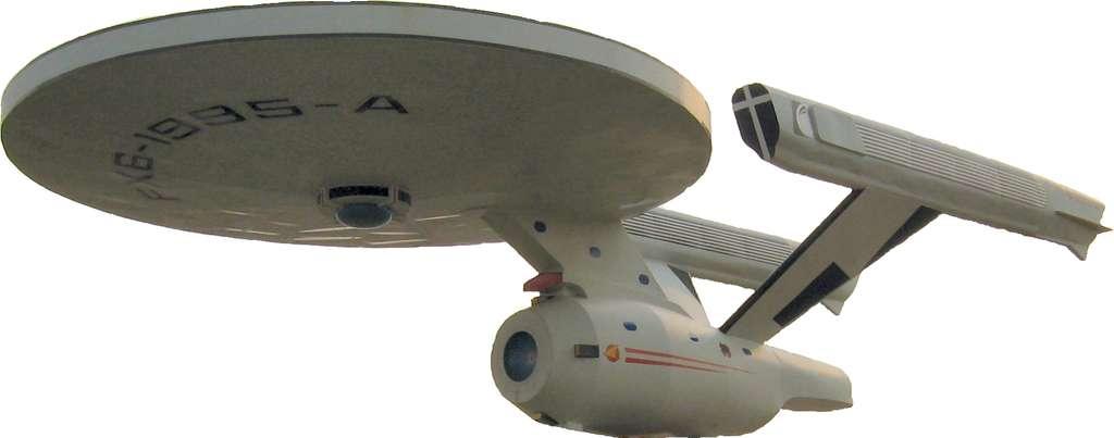 Le vaisseau Enterprise, de la série Star Trek, semblait propulsé par quelque chose qui ressemblait à l'EM Drive. © dave_7 et El Carlos, CC BY 3.0