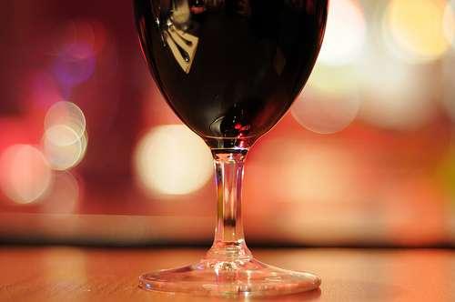 Le vin rouge, modérément, améliore certains paramètres de la santé suite à un infarctus du myocarde. © Herve Kerneis, Flickr CC by nc-nd 2.0
