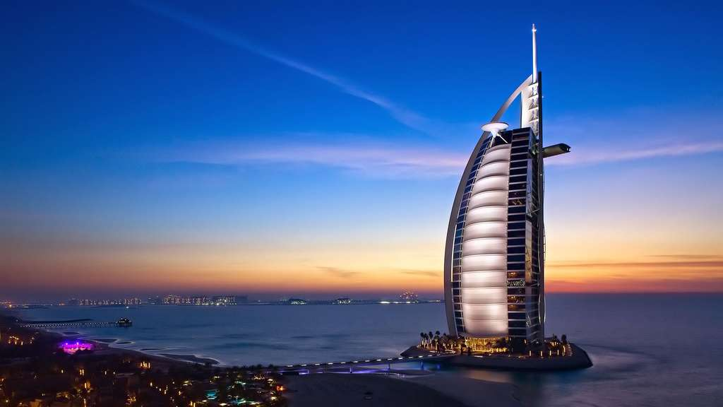 L'hôtel Burj al-Arab, à Dubaï, aux Émirats arabes unis