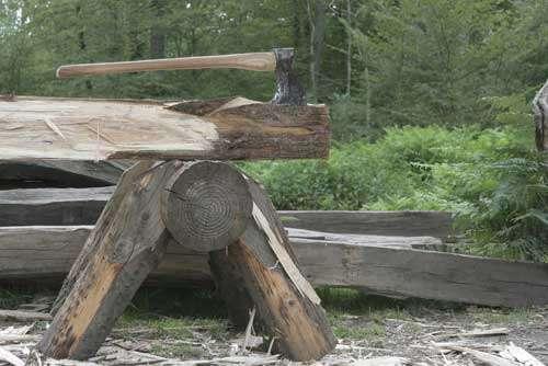 Doloire : outils des essarteurs. © Guédelon - Reproduction et utilisation interdites - Tous droits réservés