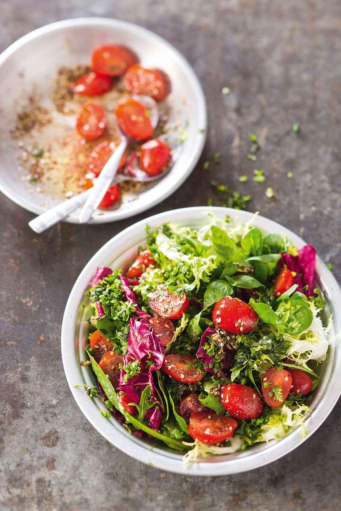 Salade d'herbes fraîches et de mesclun au zaatar © Catherine Madani