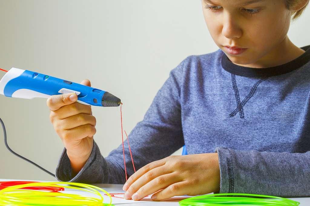 Un stylo d'impression 3D existe pour les enfants. © vejaa, Fotolia