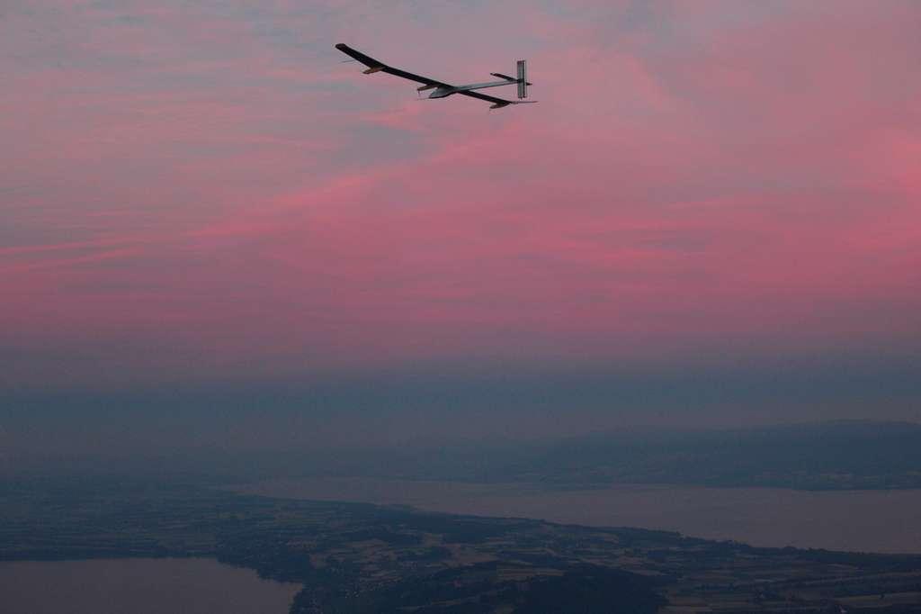 Premier vol de nuit. © Solar Impulse, Stéphane Gros et Keystone Pool, Dominic Favre