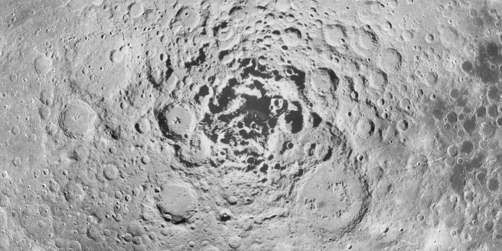 Le pôle sud lunaire vu par la sonde Clémentine de la Nasa. © Nasa