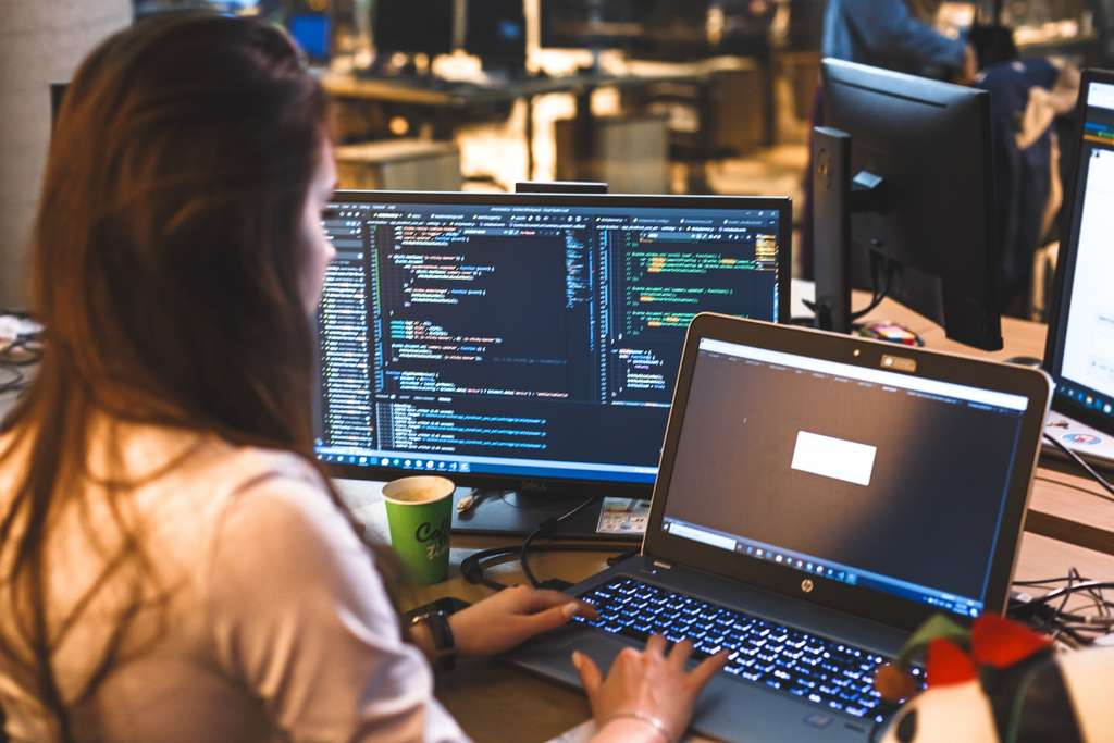 Quelques paramètres importants sont à prendre en compte pour choisir son PC portable selon l'usage que l'on a prévu de faire. © Mykola Kuklyshyn, Adobe Stock