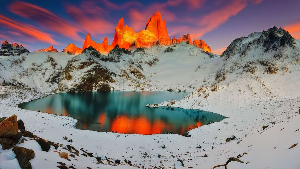 La Laguna de Los Tres au lever du soleil