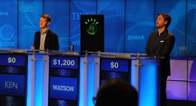 En 2011, le superordinateur Watson battait des humains au jeu télévisé Jeopardy. IBM s'attache désormais à exploiter les retombées économiques qu'il peut tirer de cette intelligence artificielle qui est proposée comme un service de cloud computing sur lequel les développeurs peuvent s'appuyer pour créer toutes sortes d'applications. © IBM