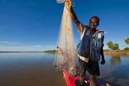 La pêche et l'aquaculture de crevettes sont à l'origine de près de 50 000 emplois. Elles sont également l'une des principales sources de devises de Madagascar © Alexis Rosenfeld