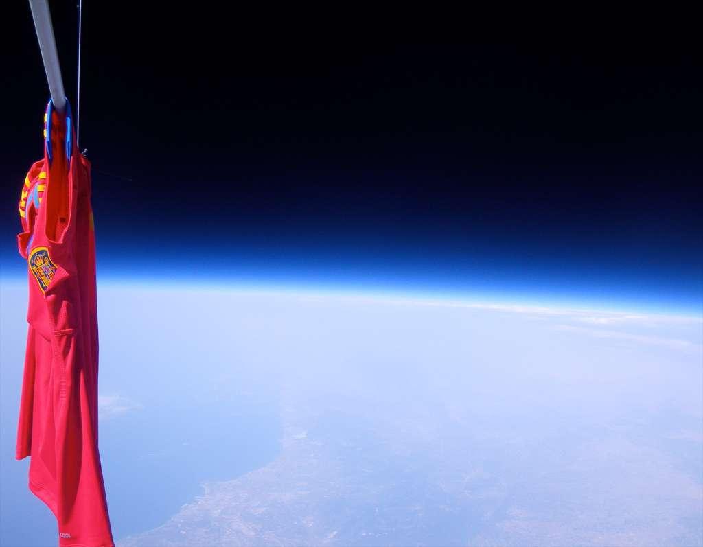 La vision de la Terre depuis l'intérieur de Bloon, le ballon spatial de Zero2infinity. © Zero2infinity