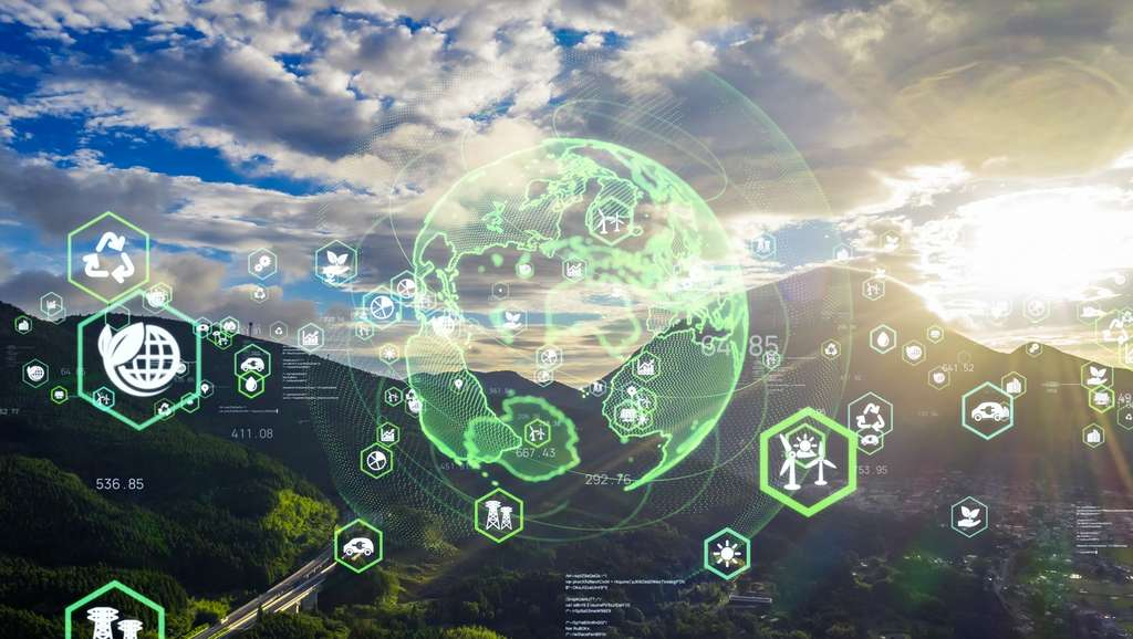 Chargé de diminuer l'empreinte écologique d'une entreprise, le consultant green IT étudie tous les postes de l'entreprise afin de lui proposer des solutions favorables au développement durable. © metamorworks, Adobe Stock