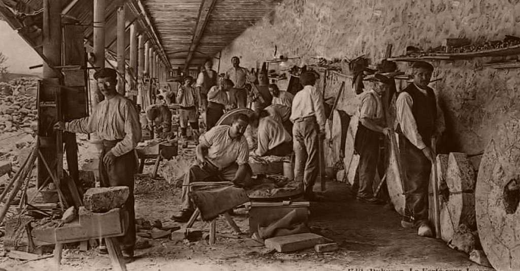 Fabrication de meules à la Ferté-sous-Jouarre. © Domaine public